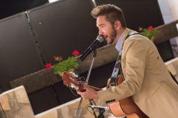 Reportaje de boda en Teruel - músico en directo